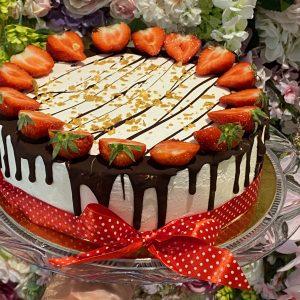 Jahodová torta s mascarpóne. Torty Nitra